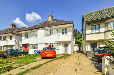 View full details for Park House Gardens, East Twickenham, TW1
