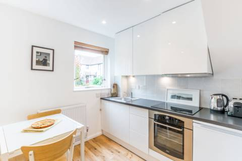 View full details for Abbey Gardens, Bermondsey, SE16