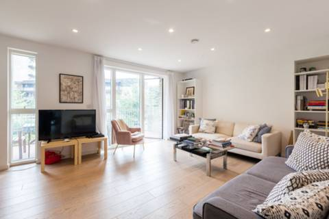 View full details for The Bevenden, Hoxton, N1