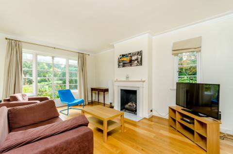 View full details for Colebrook Close, West Hill, SW15