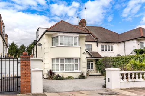 View full details for Aylestone Avenue, Brondesbury Park, NW6