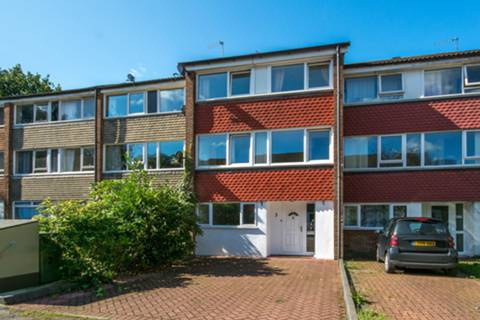 View full details for Beaulieu Close, Camberwell, SE5
