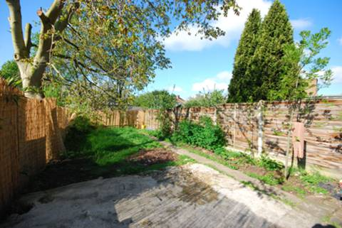 View full details for Bowes Road, Arnos Grove, N11