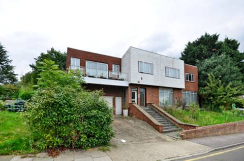 View full details for Lord Chancellor Walk, Kingston, KT2