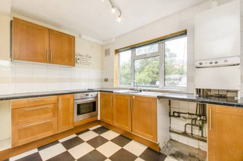 View full details for Chaseville Parade, Winchmore Hill, N21