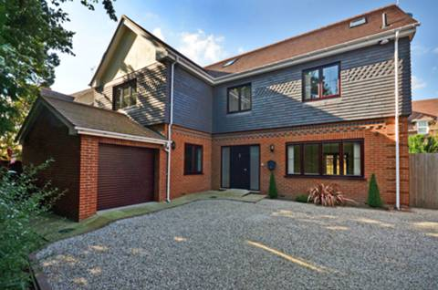 View full details for Orchard Drive, Horsell, GU21