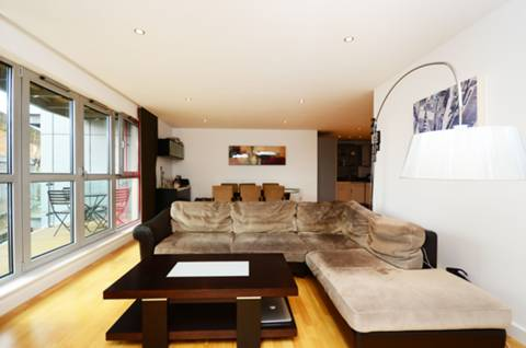 View full details for Southgate Road, Islington, N1