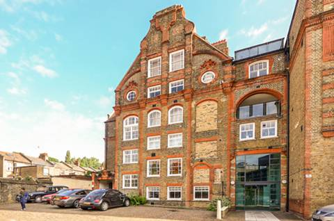 View full details for Highgate Hill, Archway, N19