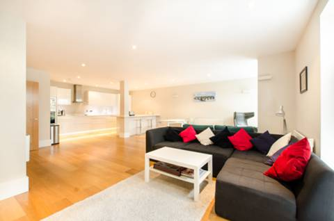 View full details for Union Road, Clapham, SW4