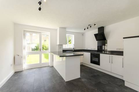 View full details for Grimsby Grove, Gallions Reach, E16