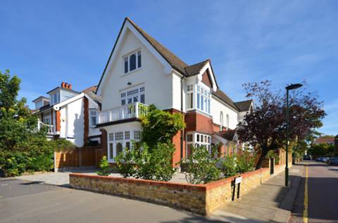 View full details for Ludlow House, Hampton Wick, KT1