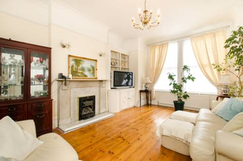 View full details for Huron Road, Tooting Bec, SW17