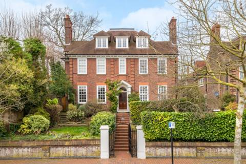 View full details for Templewood Avenue, Hampstead, NW3
