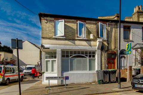 View full details for Warberry Road, Wood Green, N22
