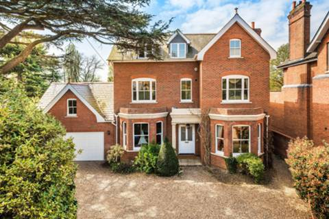 View full details for Molebank House, East Molesey, KT8