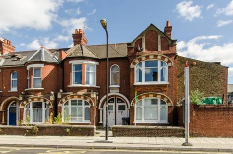 View full details for Radbourne Road, Telford Park, SW12
