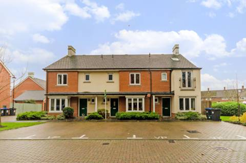 House for sale in Old Woking with Foxtons