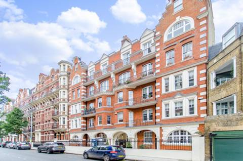 House for rent in SW10 with Foxtons